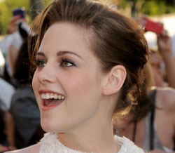 Kristen Stewart Belly on Kristen Stewart S Amazing 2011 Evolution Of Style   The Dishrag